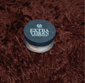 Body Shop Extra Virgin Minerals Loose Powder 102 Natural Ivory